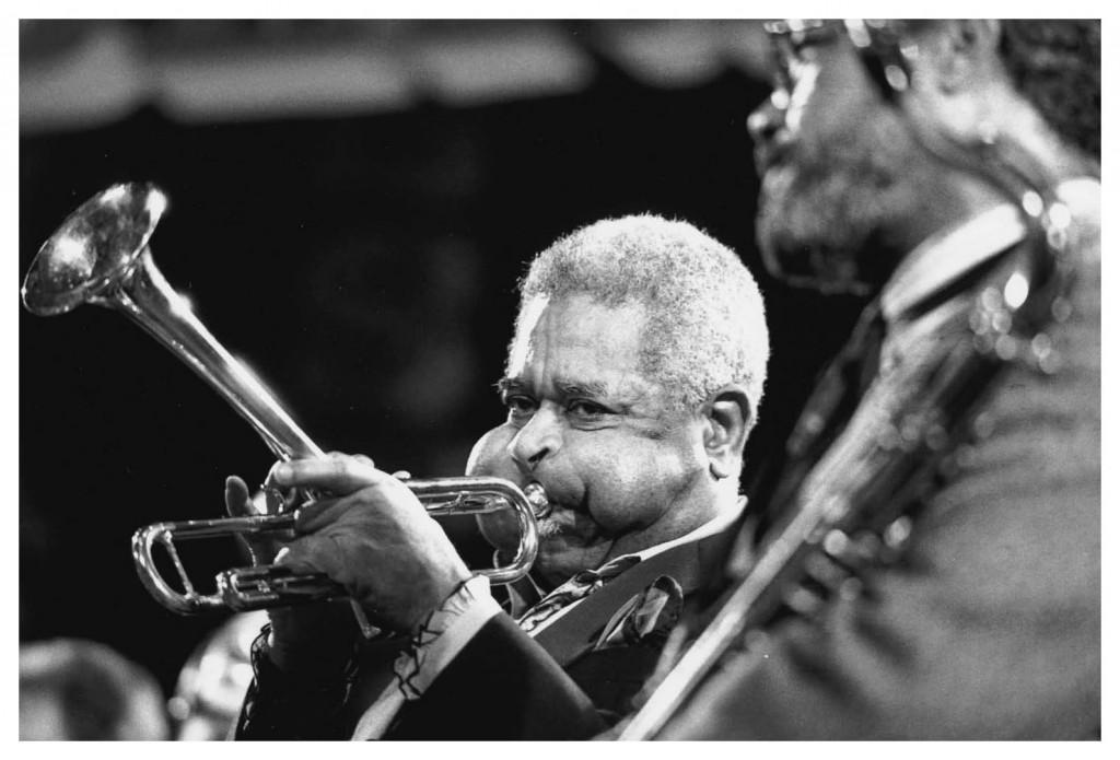 trumpeter-dizzy-gillespie-with-saxophonist-clifford-jordan-bern-international-jazz-festival-switzerland-1988